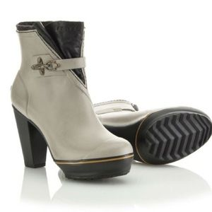 "Sorel | ""Medina"" rubber boot heels"